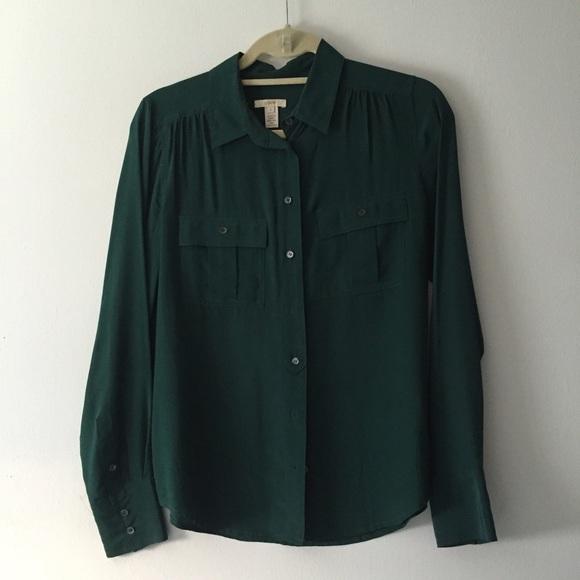 c1c081e7fe2a4 J. Crew Tops - J.Crew silk button up blouse forest green sz 4