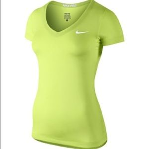 NIKE PRO SHORT SLEEVED LIME GREEN TSHIRT
