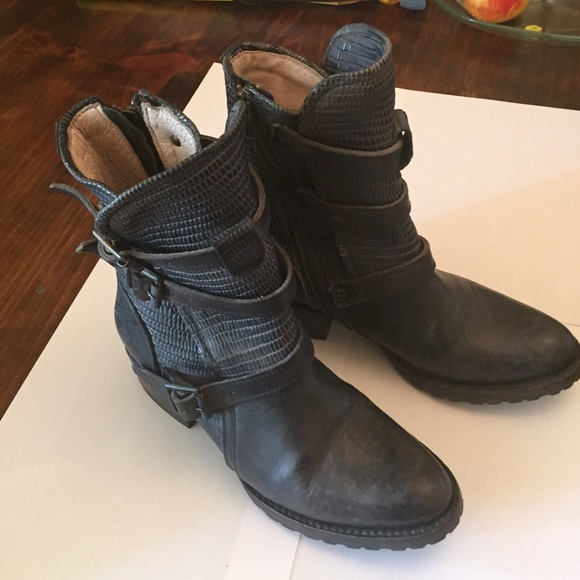 b65c9ce448f Steve Madden Freebird Apex Boots. M 57054683a88e7da3d80114b8