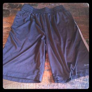 1219c0d10c19 Reebok Shorts - Boys reebok basketball shorts size L