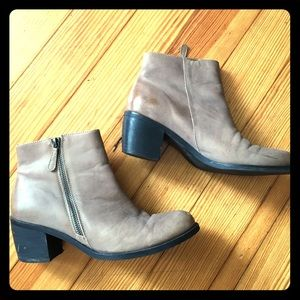 Matisse Presley ankle booties Taupe Leather 7.5