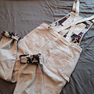 interior floral print overalls