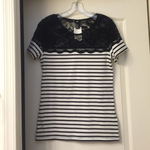 222a385c5a3ad H M lace striped top - NWT!