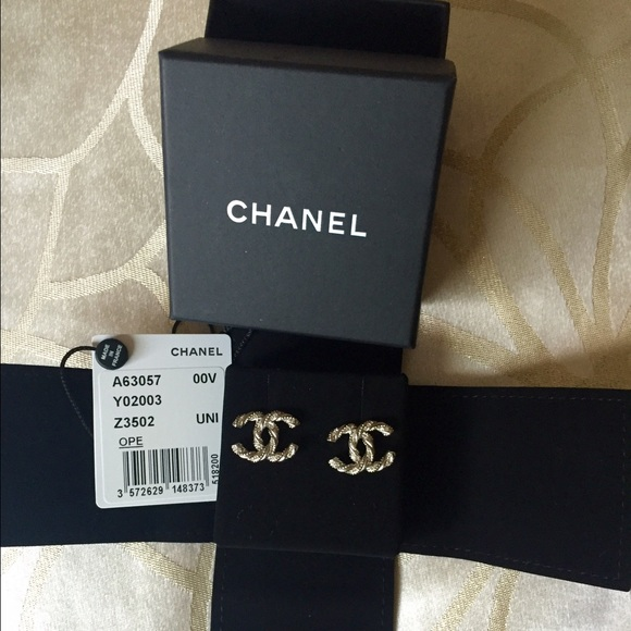 f824aaa9 Authentic brand new Chanel double C earrings! NWT