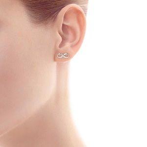 Jewelry - Simple everyday wear silver infinity earrings
