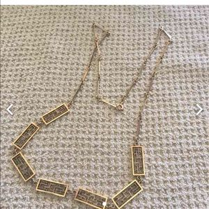 Jewelry - Classic gold finish necklace