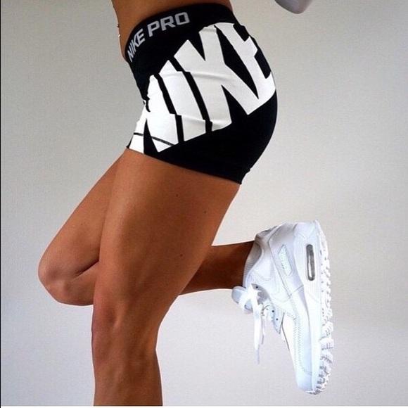 03d7b3a68de1f6 Nike Pro Logo Shorts. M 570614e06d64bc5bfa02963b