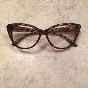 Accessories - Brand new vintage style eyeglasses