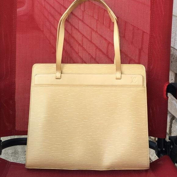 a7657d1b0284 Louis Vuitton Handbags - AUTHENTIC LOUIS VUITTON Croisette shoulder bag