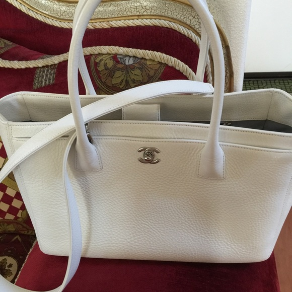 adbbe5153976 Chanel Cerf Tote Source · CHANEL Bags Cerf Executive Tote Large White  Poshmark