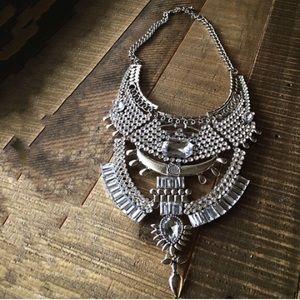 Jewelry - Brand-new beautiful bohemian bibb necklace