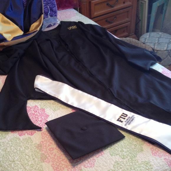 Oak Hall Masters Other | Black Graduation Cap Gown 5658 | Poshmark