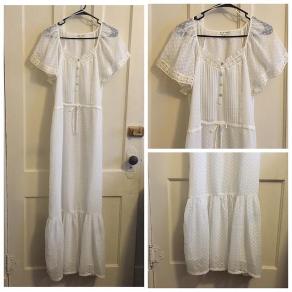 550a417b48 Black Rainn Dresses   Nwot Ivory Lace Flowy Maxi Dress Gypsy Boho ...
