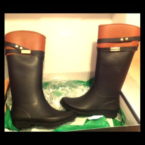 1610896ebddd Tommy Hilfiger Rain Boots - Brand New