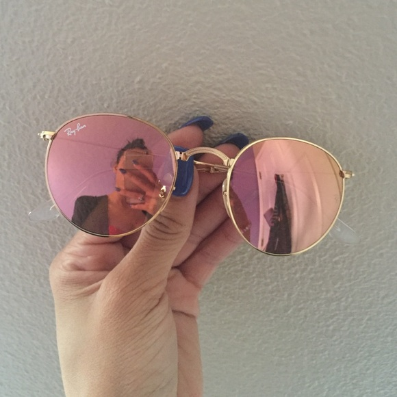110a6ed4ac RAY BAN ICON SUNGLASSES w a peach  gold reflection.  M 5706b1764e8d17cabf008a82