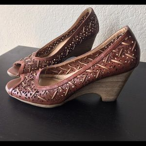 Sweet Boho Weaved Wooden Heeled Peep Toe Sandals