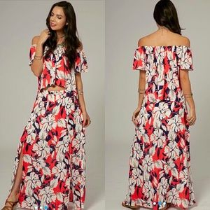 Dresses & Skirts - Floral Two Piece Set