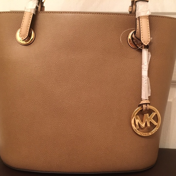 efd08b68f186 Michael Kors Bags | Flash 24 Hours Sale Jet Set | Poshmark