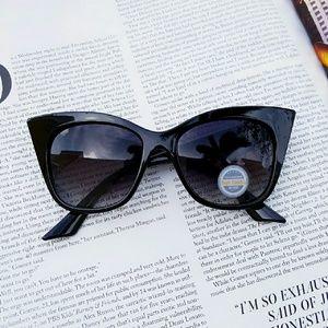 Accessories - Exaggerated Cateye Fashion Sunglasses