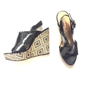BCBGeneration Shoes - BCBGeneration printed wedge size 8