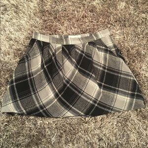 Old Navy wool plaid skirt Size 6