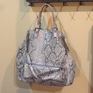 Hot in Hollywood oversized travel bag