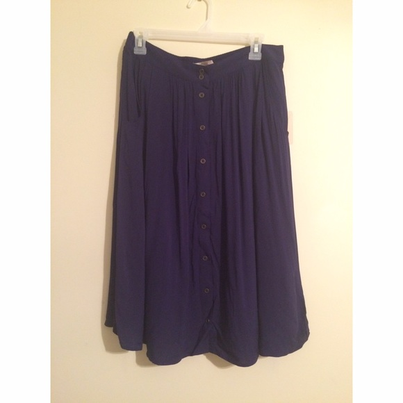 5d705b48a Forever 21 Skirts | Contemporary Button Down Midi Skirt | Poshmark