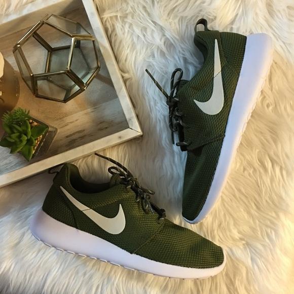 Women s Nike Olive Mesh Roshe 85555df708