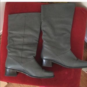 Gray boots brand new