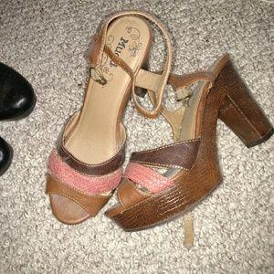 Brown sandles