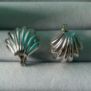 "Vintage Jewelry - Vntg Marked Monet Clip on ""Shell"" Earrings"