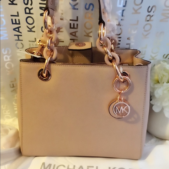 c2b1a8274f2 Michael Kors Bags   Cynthia Small Saffiano Leather   Poshmark