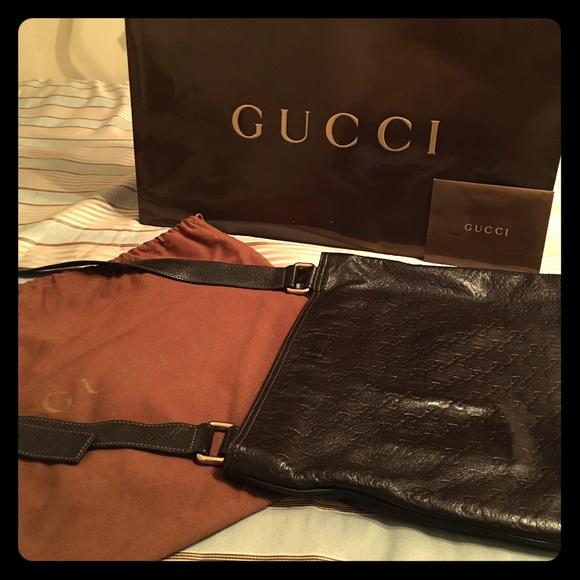 c5a12e52b Gucci Handbags - Gucci Guccissima Leather Messenger Bag