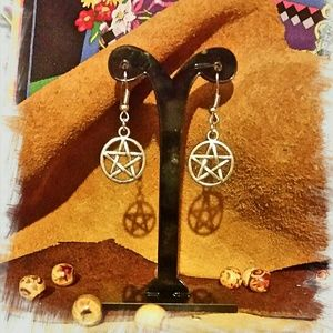 Jewelry - Pentagram earrings in Silvertone