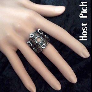 Park Lane Jewelry - Ovation Ring.  HOST PICK