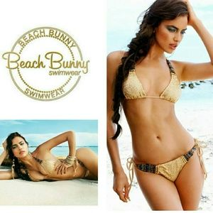 Beach Bunny Other - 🌴 NWT Beach Bunny out of your league top