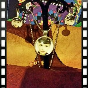 Jewelry - Audrey Hepburn Cabachon necklace and earring set