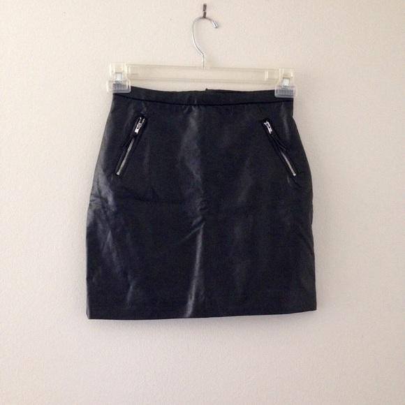 20fb28d684 H&M Skirts | New Hm Black Faux Leather Mini Zipper Skirt | Poshmark