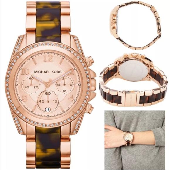 5cc5a96e8570 NWT MK 5859 brand new watch