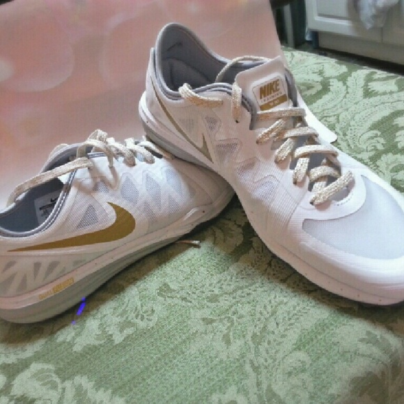 nike shoes white and gold. nike dual fusion tr 3 white/gold nwt nike shoes white and gold g