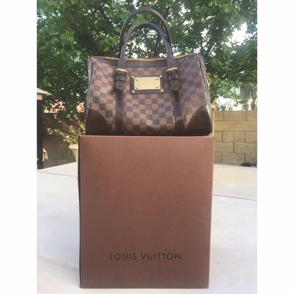 Louis Vuitton Handbags - Louis Vuitton Damier Ebene Berkeley 5c6f26d44adae