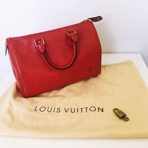 🚫SOLD🚫Louis Vuitton Epi Speedy 25