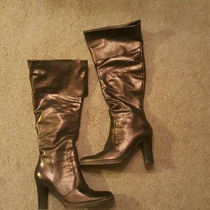 ALDO Shoes - Aldo Metallic boots!!