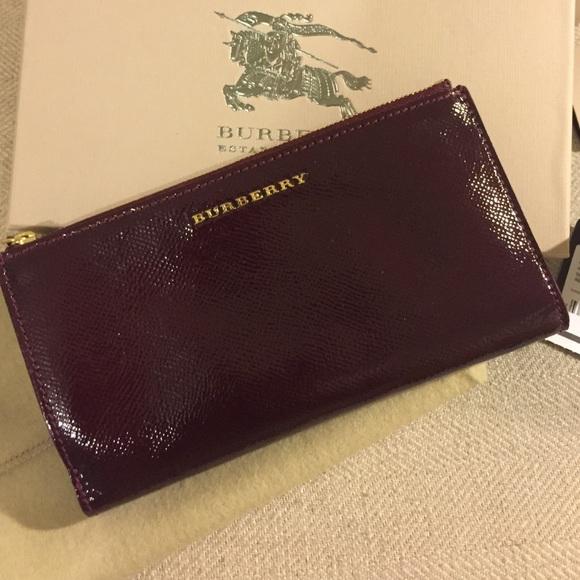 abc49c83fa56 Burberry Handbags - London Patent Leather Constantine Continental