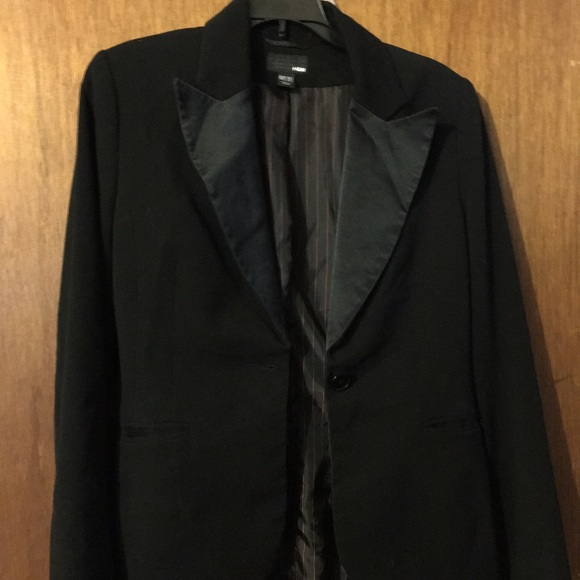 HM black blazer size 6 satin lapels