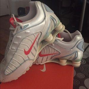 68ec9f54c5664d Womens Nike Shox Tl1 White