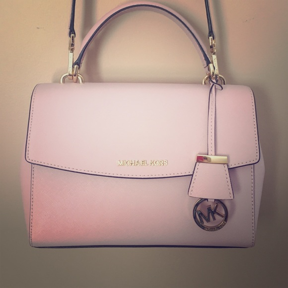 3abed7b4bc06 Michael Kors Ava Satchel Light Pink with Dust Bag.  M 57091caf2ba50a42200271de