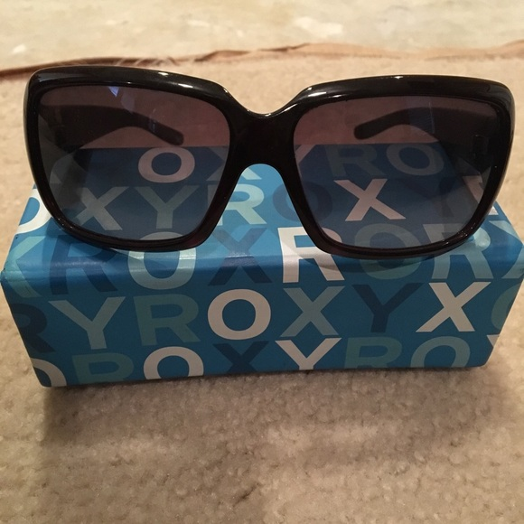 roxy sunglasses  27% off Roxy Accessories - Womens Roxy sunglasses. Not polarized ...