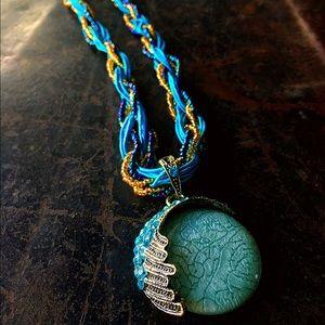 Jewelry - Brand new blue beaded magic necklace