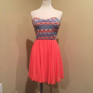 Forever 21 Dresses & Skirts - NWT Forever 21 Coral Print Dress